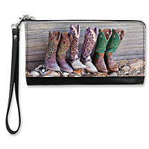 Wander Over Yonder and Beyond with this Cowgirl-Worthy Clutch
